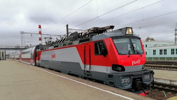 Новый двухэтажный поезд Москва – Смоленск перевез более 8 тысяч человек за первый месяц