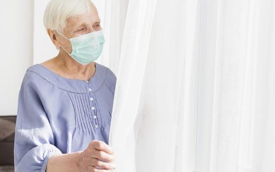 Пенсионеров Смоленской области вновь отправили на больничный