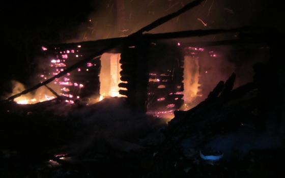 В селе Нахимовское сгорел дом