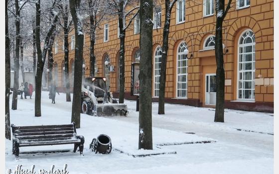 70 единиц техники очищают улицы Смоленска