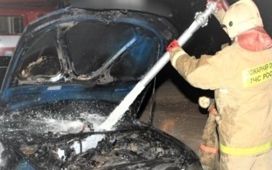 Kia загорелась в Смоленске поздно ночью