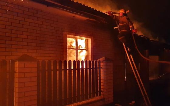 Огонь уничтожил имущество жителей Рославля