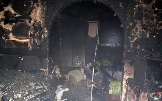 Огонь уничтожил комнату в квартире в Вязьме