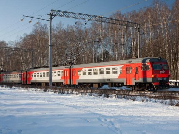 Расписание пригородных поездов в Смоленской области изменится в период новогодних и рождественских праздников