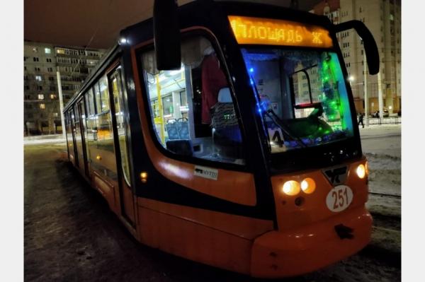 Трамвай № 2 будет ходить всю новогоднюю ночь в Смоленске