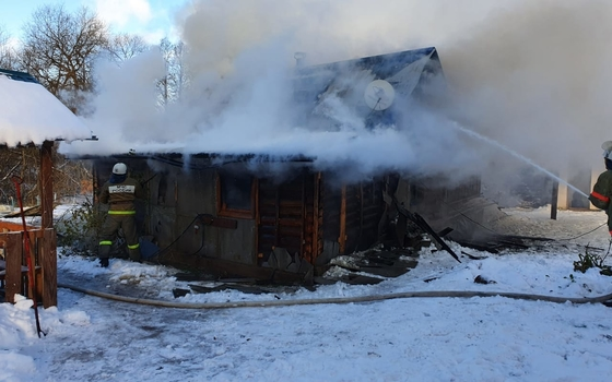 В Рославльском районе из огня спасли мужчину