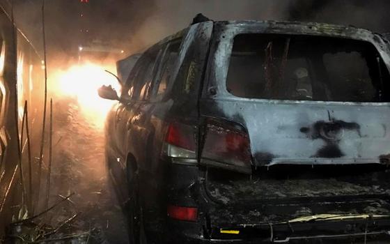 Lexus загорелся на улице Кашена в Смоленске