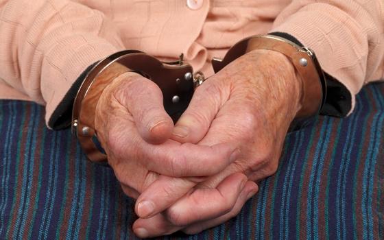 Пенсионерка из Десногорска подозревается в покушении на убийство внука