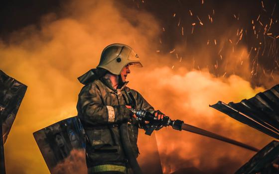Садовый дом загорелся в Сафонове