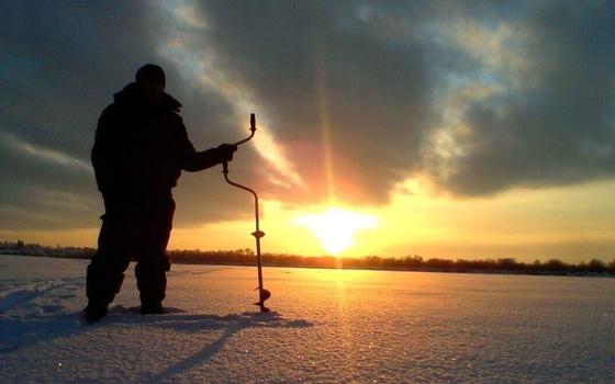 Москвич умер во время рыбалки в Смоленской области