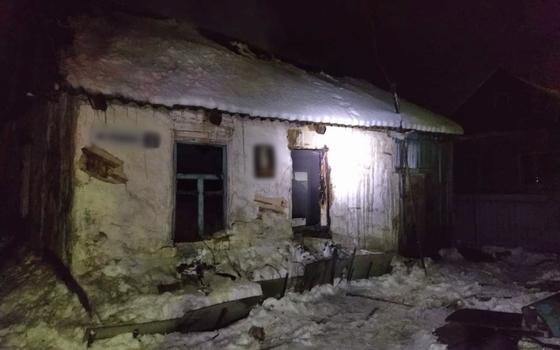 Огонь уничтожил дом изнутри в Смоленском районе