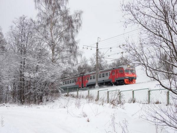 Расписание пригородных поездов в Смоленской области изменится в праздничные дни февраля и марта