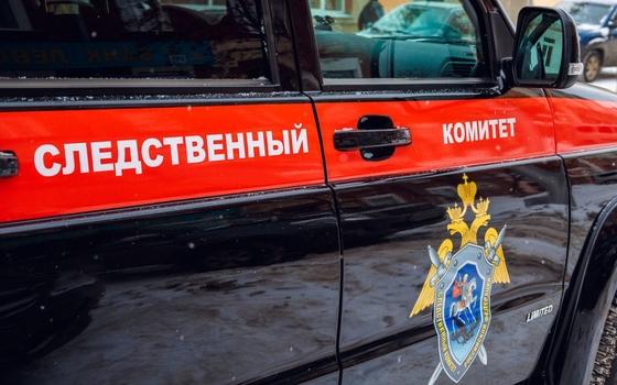 Следователи проверят информацию о падении женщины с ребенком в лифте в Рославле