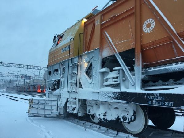 Снегопад не повлиял на движение поездов в Смоленской области
