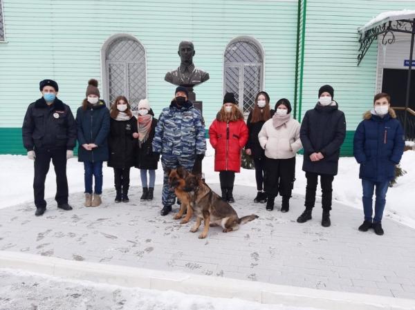 В линейном отделе МВД России на станции Смоленск прошла акция «Наша профессия»