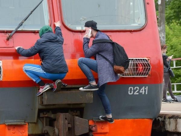 Локомотивные бригады прошли дополнительные инструктажи из-за активизации «зацеперов»