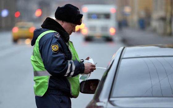 Смоленские сотрудники ГИБДД вышли на охоту за водителями
