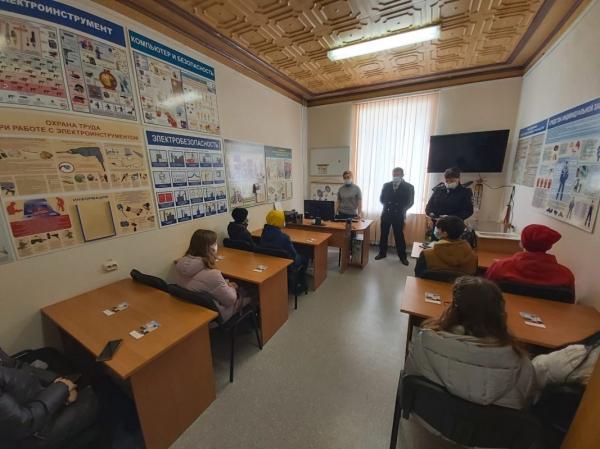 Смоленские транспортные полицейские провели профилактическое мероприятие «Безопасность»