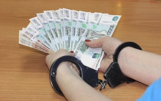 Замначальника Смоленской таможни подозревают во взяточничестве