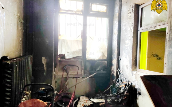 В Смоленске в доме загорелось подсобное помещение