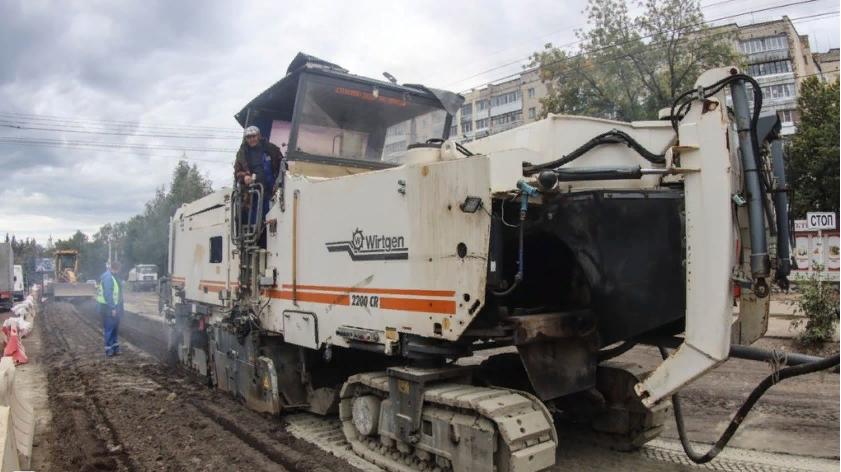 В Смоленске строят дороги по новым технологиям