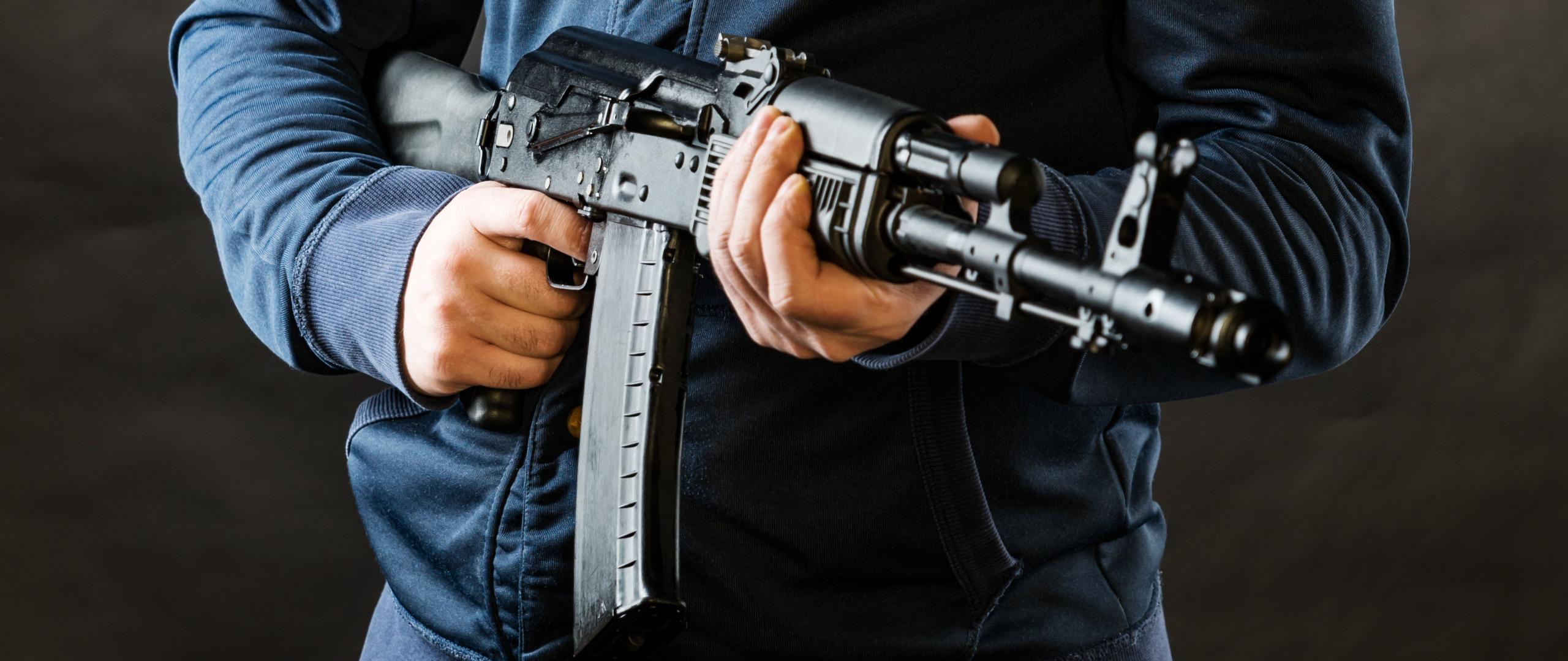 Смоленский подросток обещал устроить теракт в школе с использованием автомата